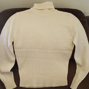 Evan-Picone Knitted Turtle Neck Sweater sz S
